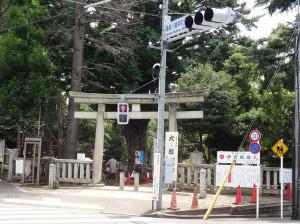 鳩の森神社1鳥居