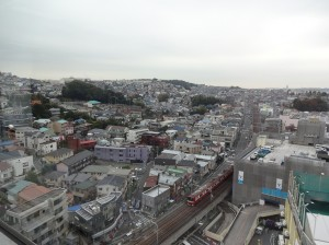 会場のウィリング横浜からは上大岡の街が一望できます。